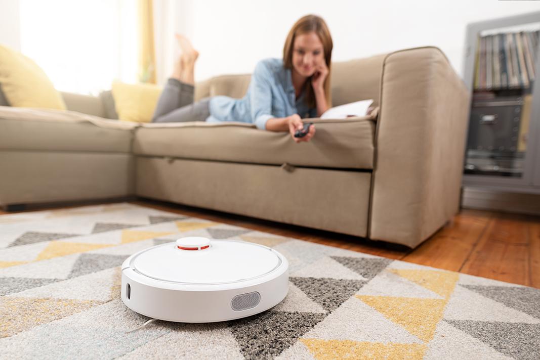 диван и робот